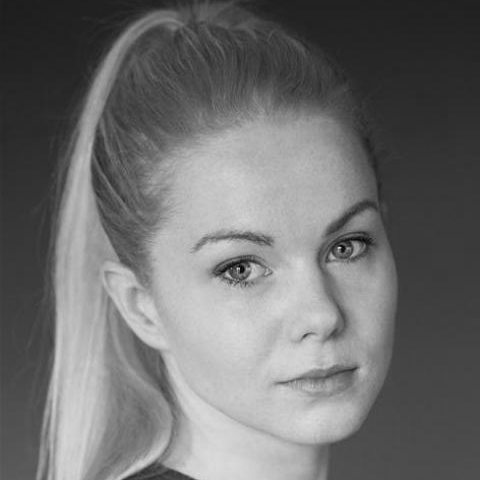 Amy Lennox Headshot