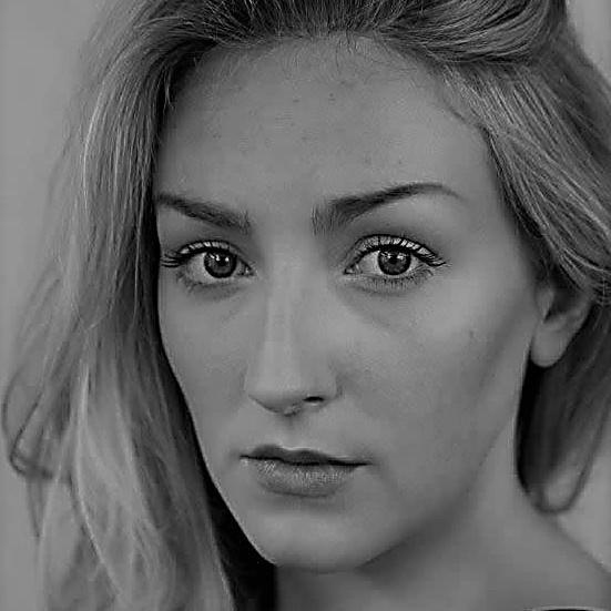 Sarah-Morris-black-white